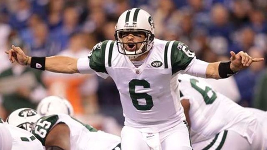 New York Jets quarterback Mark Sanchez (6) calls a play during the first quarter of an NFL AFC wild card football playoff game against the Indianapolis Colts in Indianapolis, Saturday, Jan. 8, 2011. (AP Photo/AJ Mast)