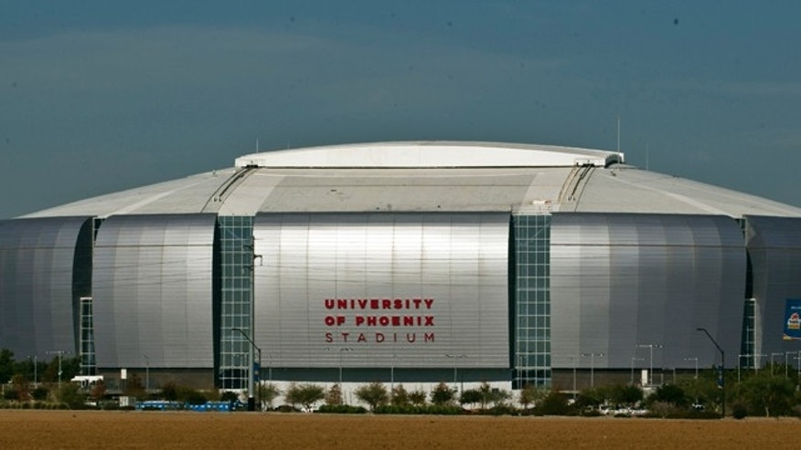 The stage is set at University of Phoenix Stadium for a BCS grudgematch between Oregon and Auburn.