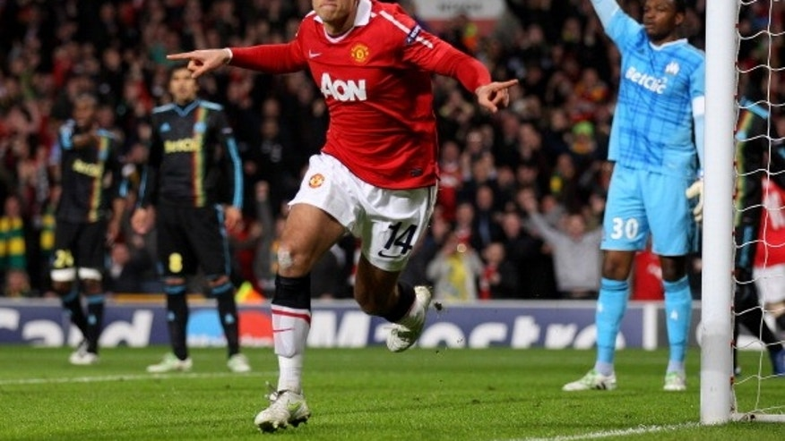 MANCHESTER, ENGLAND - MARCH 15:  Javier Hernandez of Manchester United celebrates scoring the opening goal during the UEFA Champions League round of 16 second leg match between Manchester United and Marseille at Old Trafford on March 15, 2011 in Manchester, England.  (Photo by Alex Livesey/Getty Images)