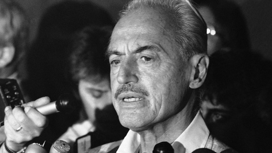 FILE 1981: Marvin Miller speaking to reporters after rejecting a proposal to end a baseball strike, in New York.