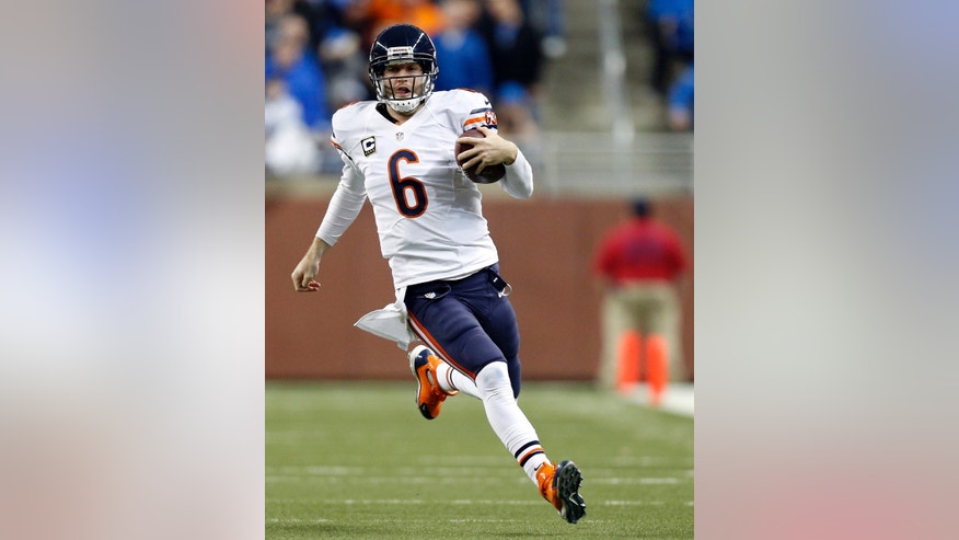 Chicago Bears quarterback Jay Cutler (6) scrambles in the closing minutes to help seal a win over the Detroit Lions in an NFL football game at Ford Field in Detroit, Sunday, Dec. 30, 2012. (AP Photo/Rick Osentoski)