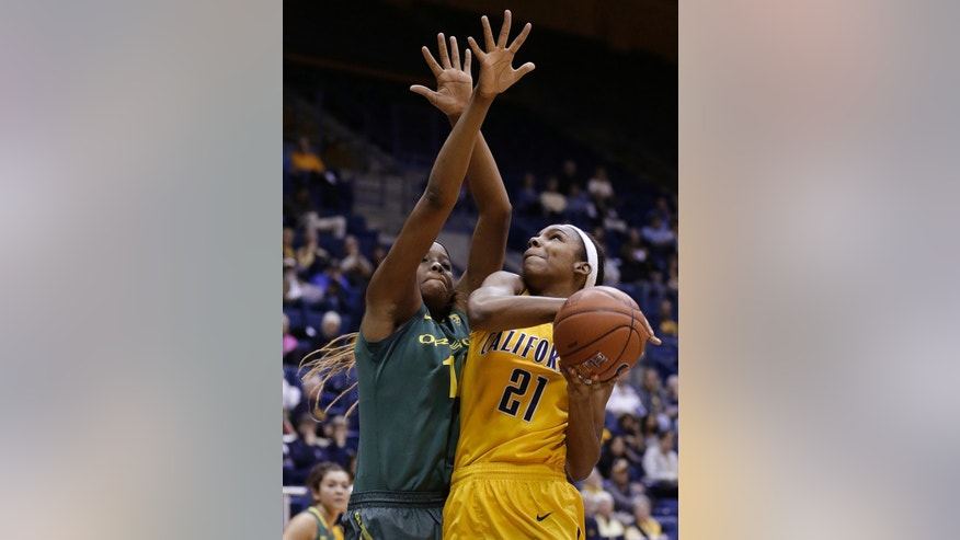 California forward Reshanda Gray (21) shoots against Oregon forward Jillian Alleyne during the first half of an NCAA college basketball game in Berkeley, Calif., Friday, Feb. 22, 2013. (AP Photo/Jeff Chiu)