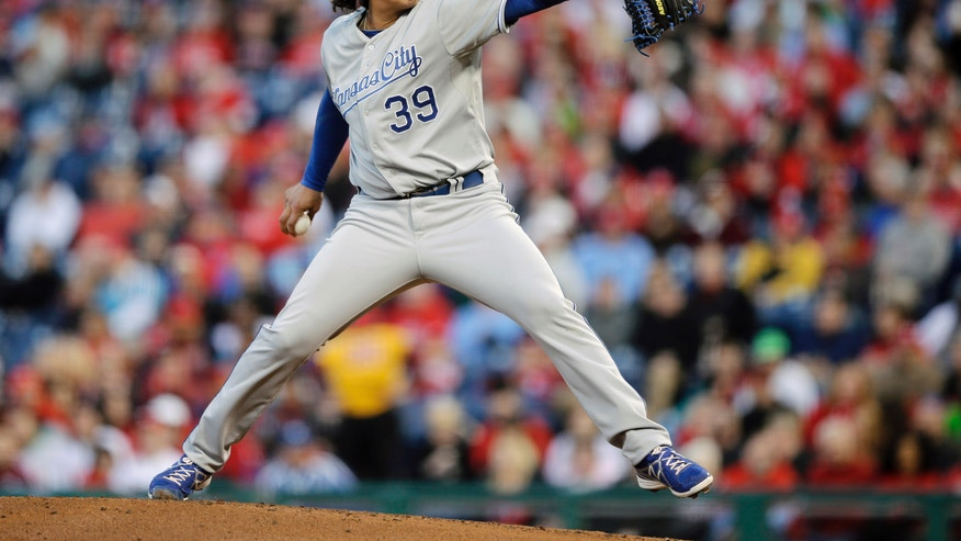 Kansas City Royals' Luis Mendoza pitches during the first inning of a baseball game against the Philadelphia Phillies, Saturday, April 6, 2013, in Philadelphia. (AP Photo/Matt Slocum)