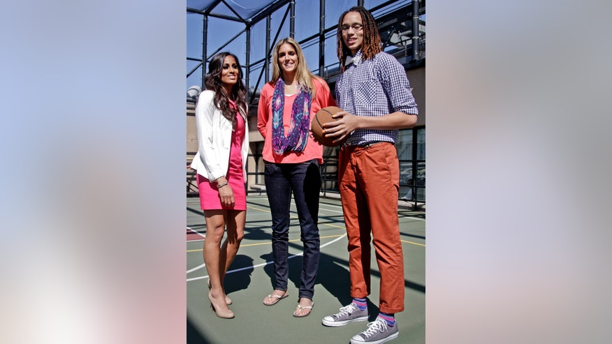 Top WNBA draft picks, from left, Norte Dame's Skylar Diggins, Delaware's Elena Delle Donne and Baylor's Brittney Griner pose following an interview at the Associated Press on Wednesday, April 17, 2013 in New York. Griner was the top pick and will play for the Phoenix Mercury; Delle Donne will play for the Chicago Sky; and Diggins will play for the Tulsa Shock. (AP Photo/Bebeto Matthews)