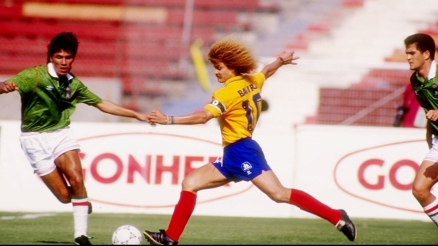 2 Aug 1992:  Carlos Valderrama of Colombia (right) prepares to kick the ball during a Friendship Cup game against Mexico. Mandatory Credit: Ken Levine  /Allsport