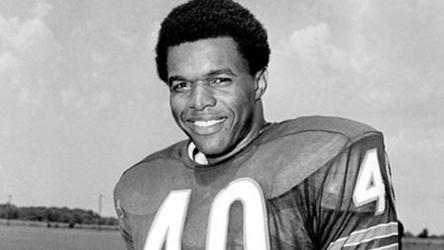 Chicago Bears running back Gale Sayers prior to the 1970 season. (AP Photo)