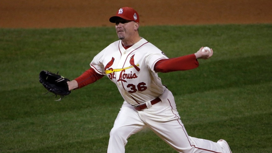 St. Louis Cardinals relief pitcher Randy Choate throws during the sixth inning of Game 3 of baseball's World Series against the Boston Red Sox Saturday, Oct. 26, 2013, in St. Louis. (AP Photo/David J. Phillip)