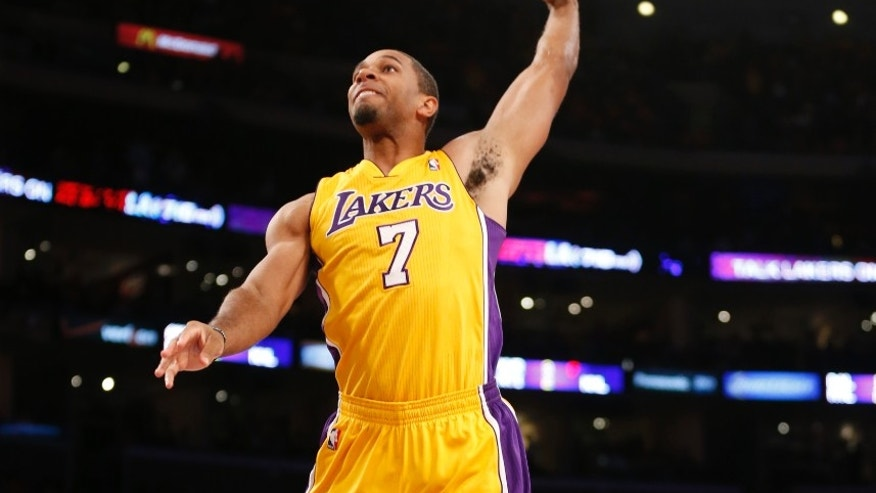 Xavier Henry leads Los...