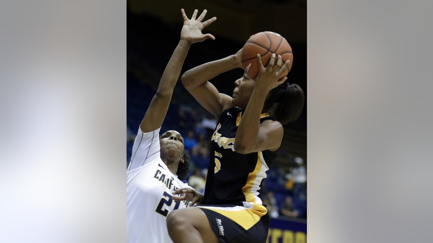 Long Beach States's Jade Wilson, right, shoots against California's Reshanda Gray (21) in the first half of an NCAA college basketball game Friday, Nov. 8, 2013, in Berkeley, Calif. (AP Photo/Ben Margot)