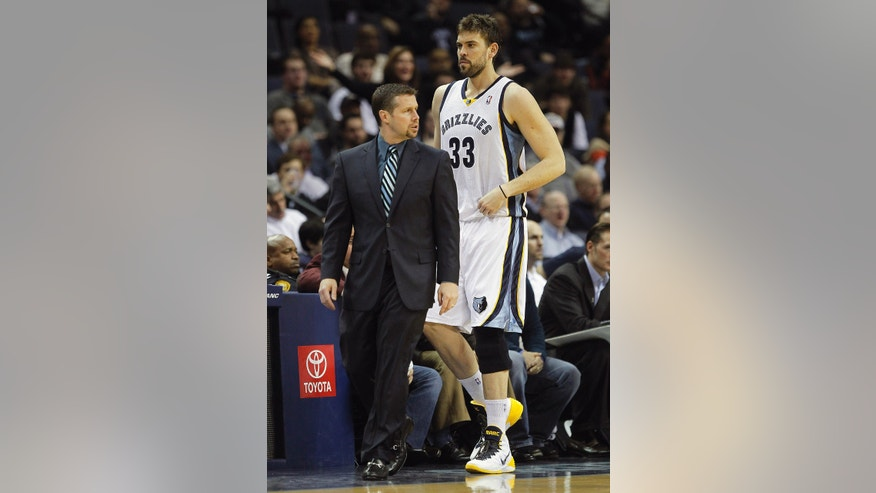 Memphis Grizzlies head coach Dave Joerger returns center Marc Gasol (33), of Spain, to the lineup against the Oklahoma City Thunder in the first half of an NBA basketball game, Tuesday, Jan. 14, 2014, in Memphis, Tenn. Gasol has been out with a left MCL sprain since Nov. 22, 2013. (AP Photo/Lance Murphey)