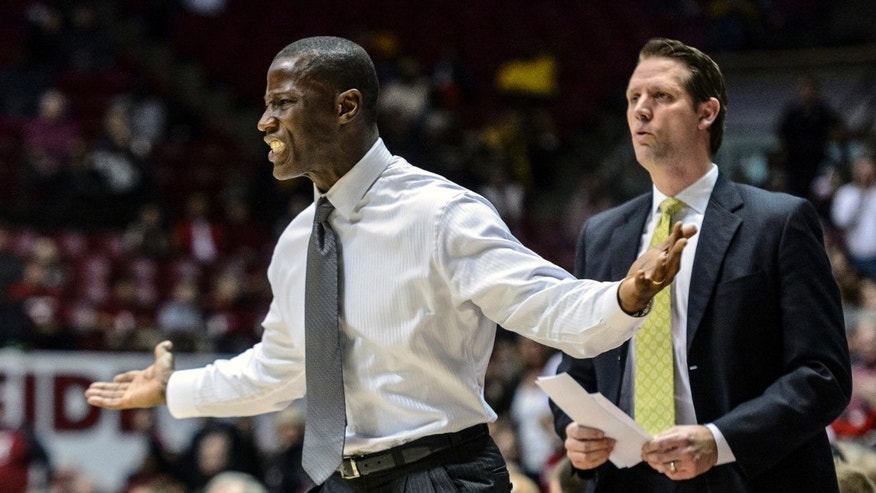 Alabama head coach Anthony Grant reacts to a call during an NCAA college basketball game against Missouri, Saturday, Feb. 22, 2014, in Tuscaloosa, Ala. (AP Photo/AL.com, Vasha Hunt) MAGS OUT