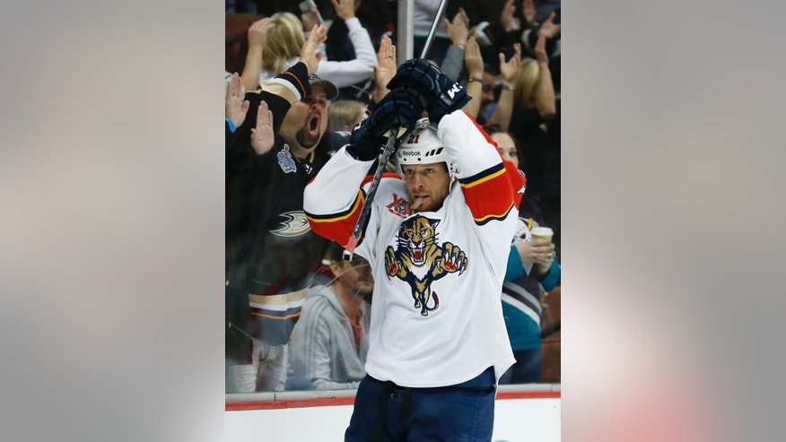 Florida Panthers right wing Krys Barch reacts after Anaheim Ducks right wing Corey Perry scored during the second period of an NHL hockey game, Sunday, March 23, 2014 in Anaheim, Calif. (AP Photo/Danny Moloshok)