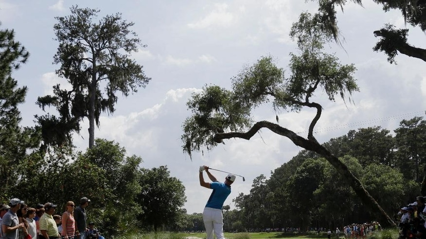 Martin Kaymer, of Germany, hits from the sixth tee during the third round of The Players championship golf tournament at TPC Sawgrass, Saturday, May 10, 2014, in Ponte Vedra Beach, Fla. (AP Photo/Gerald Herbert)