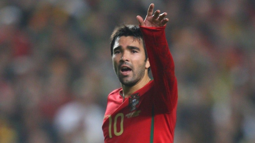 Deco at the Luz stadium on November 14, 2009 in Lisbon, Portugal.