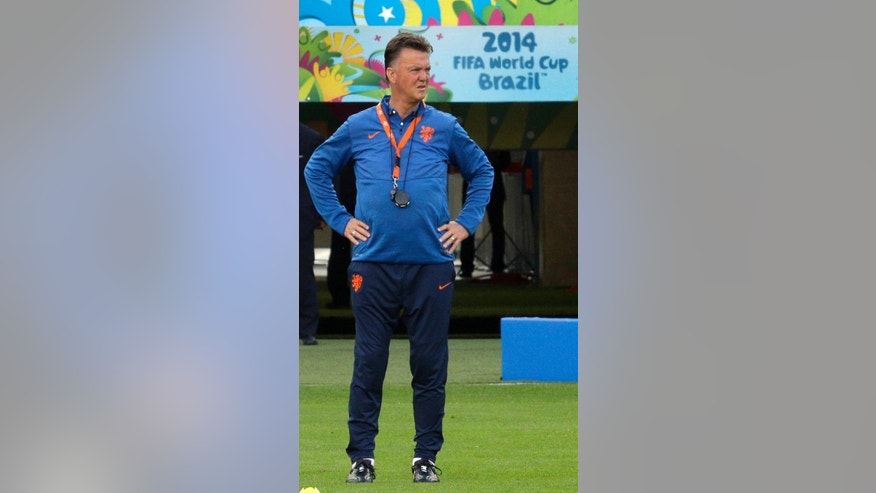 Netherlands' head coach Louis van Gaal attends the official training the day before the group B World Cup soccer match between Australia and the Netherlands at the Estadio Beira-Rio in Porto Alegre, Brazil, Tuesday, June 17, 2014. (AP Photo/Michael Sohn)