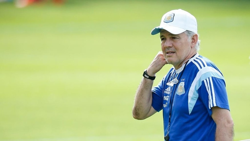 Argentina's head coach Alejandro Sabella gestures during a training session in Vespasiano, near Belo Horizonte, Brazil, Wednesday, June 18, 2014.  Argentina plays in group F of the 2014 soccer World Cup. (AP Photo/Victor R. Caivano)