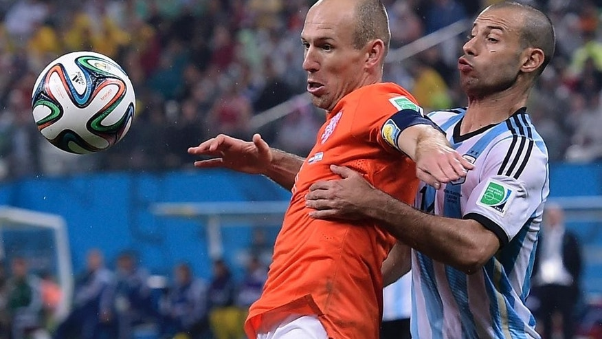 Netherlands' Arjen Robben, left, shields the ball from Argentina's Javier Mascherano during the World Cup semifinal soccer match between the Netherlands and Argentina at the Itaquerao Stadium in Sao Paulo Brazil, Wednesday, July 9, 2014. (AP Photo/Manu Fernandez)