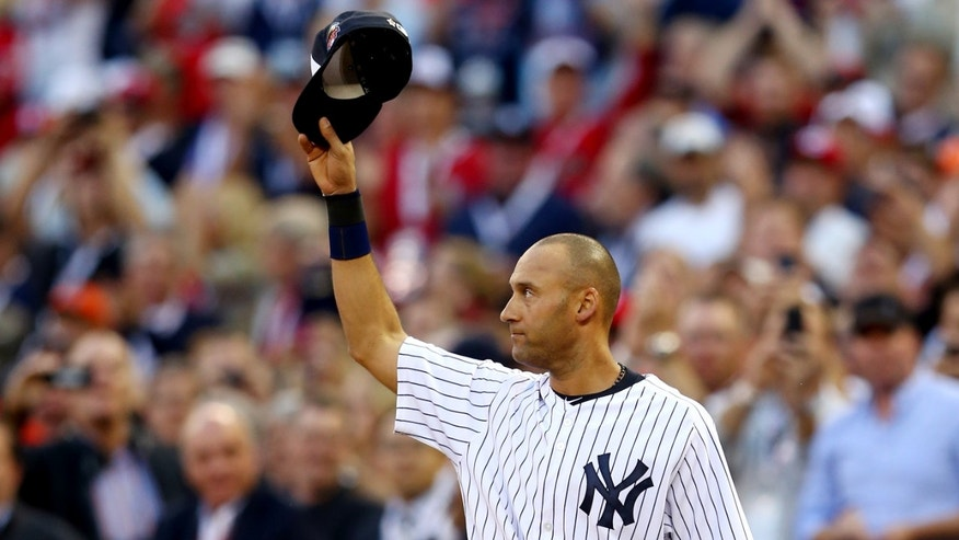 MINNEAPOLIS, MN - JULY 15:  American League All-Star Derek Jeter #2 of the New York Yankees acknowledges the crowd after being pulled in the fourth inning during the 85th MLB All-Star Game at Target Field on July 15, 2014 in Minneapolis, Minnesota.  (Photo by Elsa/Getty Images)