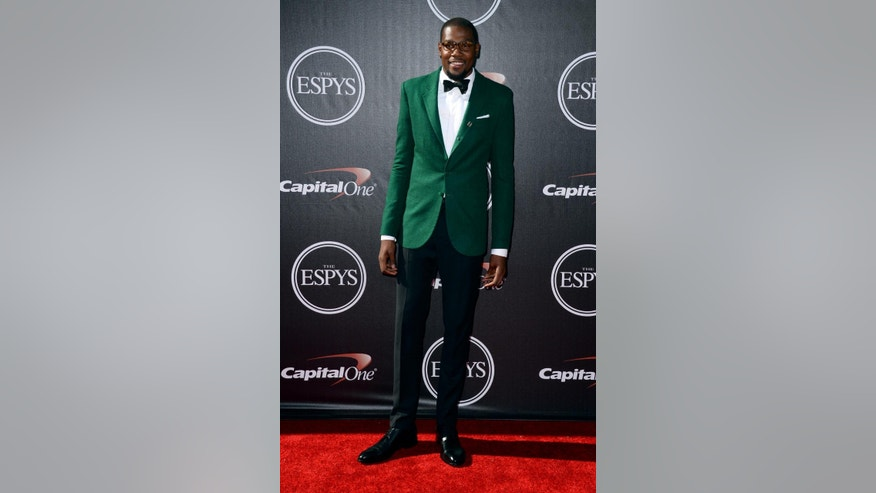 Oklahoma Thunder player Kevin Durant arrives at the ESPY Awards at the Nokia Theatre on Wednesday, July 16, 2014, in Los Angeles. (Photo by Jordan Strauss/Invision/AP)