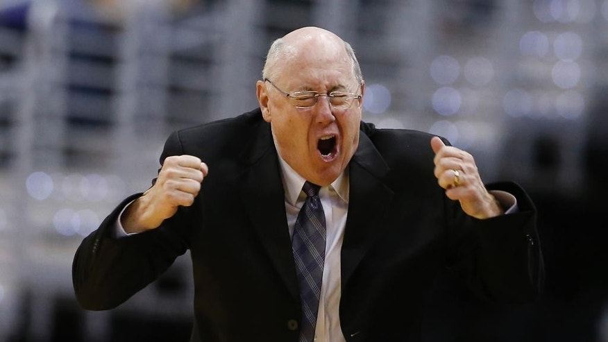 Washington Mystics head coach Mike Thibault reacts to an official's call during the second half of a WNBA basketball game against the Chicago Sky Wednesday, Aug. 13, 2014 in Washington.  The Sky won 72-69. (AP Photo/Alex Brandon)