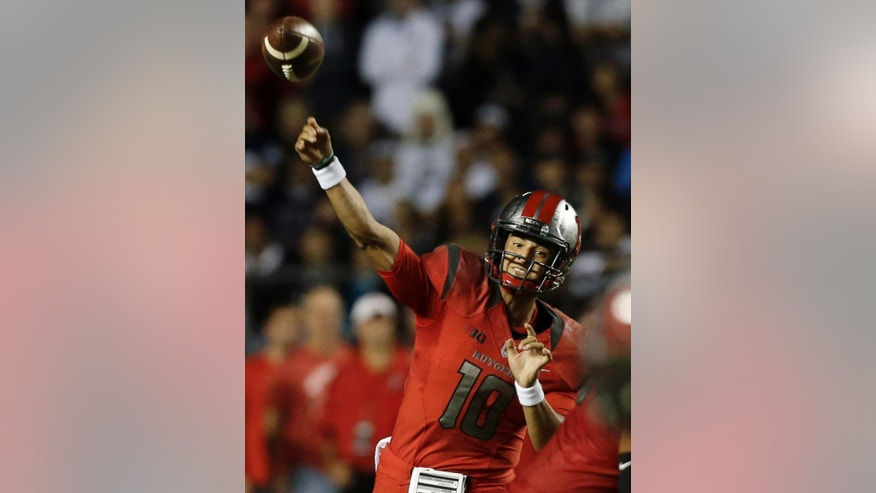 Rutgers quarterback Gary Nova (10) throws a pass during the first quarter of an NCAA college football game against Penn State, Saturday, Sept. 13, 2014, in Piscataway, N.J. (AP Photo/Mel Evans)