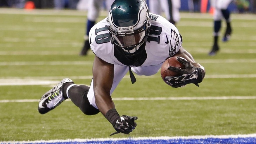 Philadelphia Eagles wide receiver Jeremy Maclin (18) makes six yard touchdown reception during the second half of an NFL football game against the Indianapolis Colts Monday, Sept. 15, 2014, in Indianapolis. (AP Photo/AJ Mast)