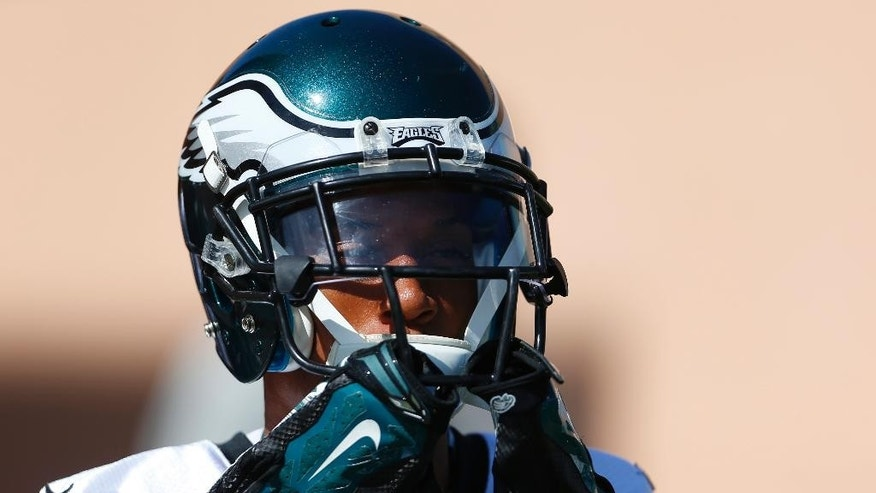 Philadelphia Eagles cornerback Cary Williams moves onto the field for NFL football practice at the team's training facility, Tuesday, Sept. 23, 2014, in Philadelphia. (AP Photo/Matt Rourke)