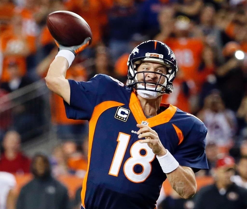 Peyton Manning Breaks Brett Favre's NFL Record With His
