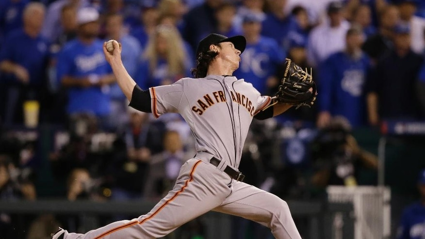 San Francisco Giants pitcher Tim Lincecum pitches during the eighth inning of Game 2 of baseball's World Series against the Kansas City Royals Wednesday, Oct. 22, 2014, in Kansas City, Mo. (AP Photo/Charlie Neibergall)