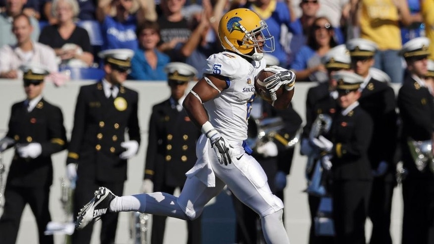 San Jose State wide receiver Tim Crawley runs into the end zone for a touchdown in the first half of an NCAA college football game against Navy in Annapolis, Md., Saturday, Oct. 25, 2014. (AP Photo/Patrick Semansky)