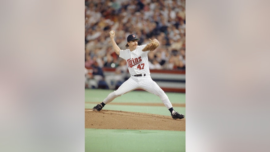 FILE - Minnesota Twins Jack Morris hurls against the Atlanta Braves during first inning of Game 7 of the World Series in Minneapolis, in this Oct. 27, 1991 file photo. John Smoltz and Jack Morris were locked in a classic duel as the game was scoreless despite each team loading the bases with one out in the eighth. Smoltz left in the eighth but Morris kept going through the 10th and ended up the winner when Gene Larkin hit a bases-loaded single with one out in the bottom half. (AP Photo/Jim Mone, File)
