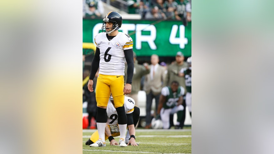 Pittsburgh Steelers kicker Shaun Suisham (6) reacts after missing a field goal during the second half of an NFL football game against the New York Jets, Sunday, Nov. 9, 2014, in East Rutherford, N.J. (AP Photo/Kathy Willens)