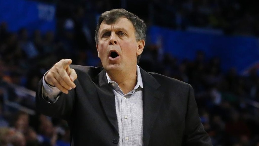 Houston Rockets head coach Kevin McHale gestures in the second quarter of an NBA basketball game against the Oklahoma City Thunder in Oklahoma City, Sunday, Nov. 16, 2014. (AP Photo/Sue Ogrocki