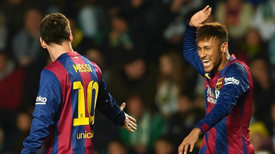 ELCHE, SPAIN - JANUARY 24:  Neymar JR of Barcelona celebrate scoring with his teammate Lionel Messi during the La Liga match between Elche FC and FC Barcelona at Estadio Manuel Martinez Valero on January 24, 2015 in Elche, Spain.  (Photo by Manuel Queimadelos Alonso/Getty Images)
