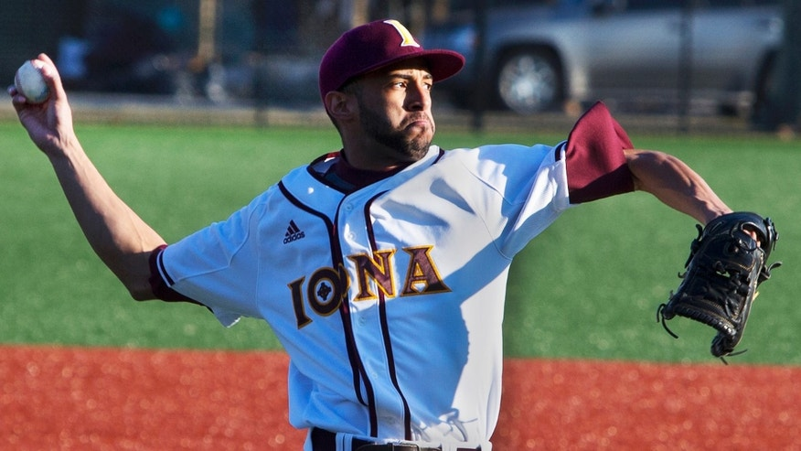NEW ROCHELLE, NY - MARCH 22: Mariano Rivera Jr. pitches for Iona College in New Rochelle, N.Y. on March 22, 2014. (Photo by Stan Grossfeld/The Boston Globe via Getty Images)