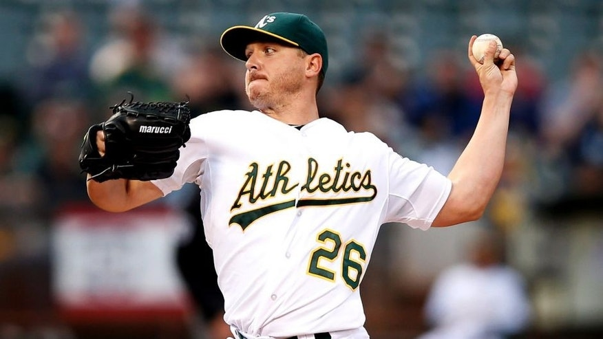 OAKLAND, CA - JULY 02: Scott Kazmir #26 of the Oakland Athletics pitches against the Seattle Mariners in the first inning at O.co Coliseum on July 2, 2015 in Oakland, California. (Photo by Ezra Shaw/Getty Images)