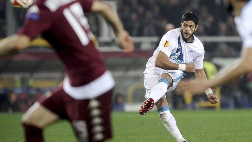 Zenit St. Petersburg's Hulk takes a free kick during their Europa League round of 16 second leg soccer match against Torino at the Olympic Stadium in Turin March 19, 2015. REUTERS/Giorgio Perottino Picture Supplied by Action Images