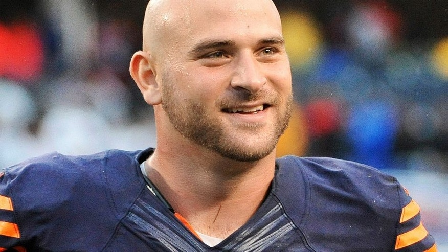 CHICAGO, IL - SEPTEMBER 15: Kyle Long #75 of the Chicago Bears celebrates the win against the Minnesota Vikings on September 15, 2013 at Soldier Field in Chicago, Illinois. (Photo by David Banks/Getty Images)