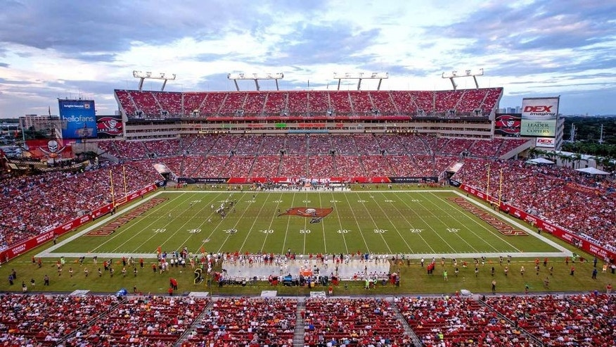TAMPA, FL - SEPTEMBER 14: A general view of game play during the second half of the game between the St Louis Rams and Tampa Bay Buccaneers at Raymond James Stadium on September 14, 2014 in Tampa, Florida. (Photo by Rob Foldy/Getty Images)