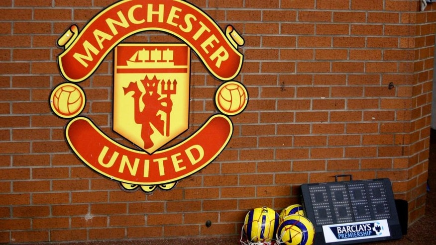 Football - Manchester United v Fulham - FA Barclays Premiership - Old Trafford - 05/06 - 4/2/06 Manchester United Logo Mandatory Credit: Action Images / Reuters / Darren Staples Picture Supplied by Action Images *** Local Caption *** DST16834.jpg NO ONLINE/INTERNET USE WITHOUT A LICENCE FROM THE FOOTBALL DATA CO LTD. FOR LICENCE ENQUIRIES PLEASE TELEPHONE +44 207 298 1656.