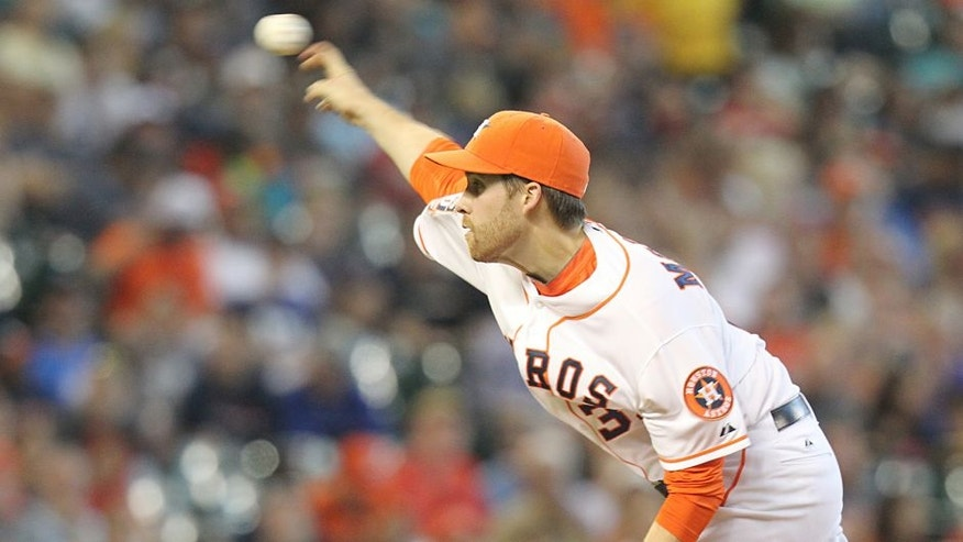 Aug 2, 2015; Houston, TX, USA; Houston Astros starting pitcher Collin McHugh (31) pitches against the Arizona Diamondbacks in the first inning at Minute Maid Park. Mandatory Credit: Thomas B. Shea-USA TODAY Sports