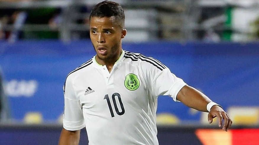 GLENDALE, AZ - JULY 12: Giovani Dos Santos #10 of Mexico controls the ball during the 2015 CONCACAF Gold Cup group C match against Guatemala at University of Phoenix Stadium on July 12, 2015 in Glendale, Arizona. Guatemala and Mexico finished in a 0-0 tie. (Photo by Christian Petersen/Getty Images)