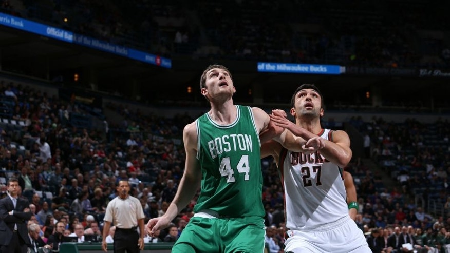 <p>MILWAUKEE, WI - APRIL 15: Tyler Zeller #44 of the Boston Celtics battles for position against Zaza Pachulia #27 of the Milwaukee Bucks on April 15, 2015 at the BMO Harris Bradley Center in Milwaukee, February. NOTE TO USER: User expressly acknowledges and agrees that, by downloading and or using this Photograph, user is consenting to the terms and conditions of the Getty Images License Agreement. Mandatory Copyright Notice: Copyright 2015 NBAE (Photo by Gary Dineen/NBAE via Getty Images)</p>