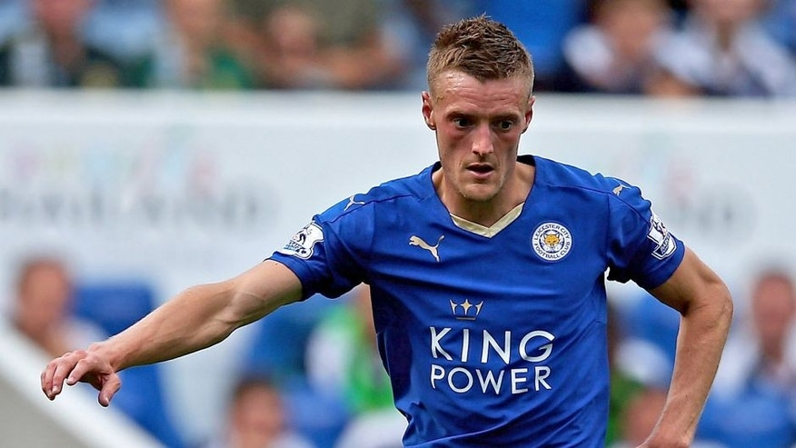 LEICESTER, ENGLAND - AUGUST 08: Jamie Vardy of Leicester City in action during the Barclays Premier League match between Leicester City and Sunderland at The King Power Stadium on 8th August, 2015 in Leicester. (Photo by Matthew Lewis/Getty Images)