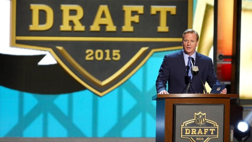 Apr 30, 2015; Chicago, IL, USA; NFL commissioner Roger Goodell addresses the crowd in the first round of the 2015 NFL Draft at the Auditorium Theatre of Roosevelt University. Mandatory Credit: Jerry Lai-USA TODAY Sports