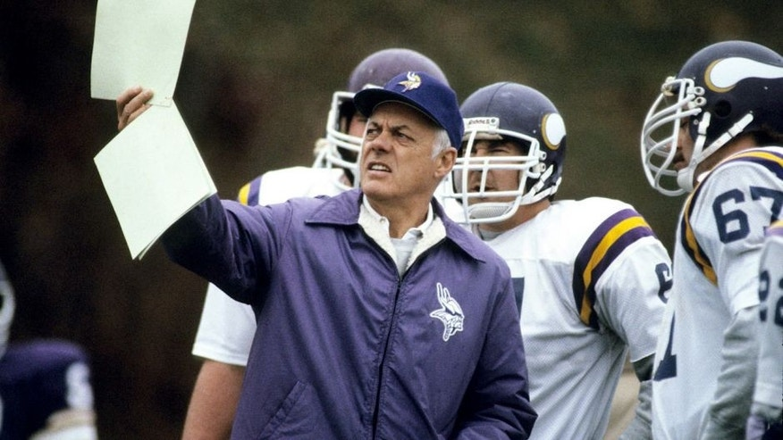 MINNEAPOLIS, MIN - OCTOBER, 1983: Head Coach Bud Grant of the Minnesota Vikings holds up a play in practice in October 1983 in Minneapolis, Minnesota. (Photo by ronald C. Modra/Sports Imagery/getty Images)
