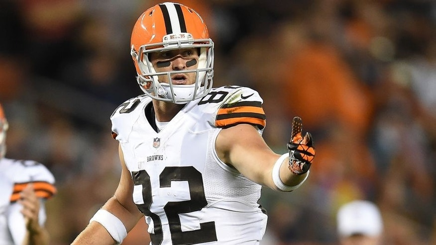 CLEVELAND, OH - AUGUST 28: Gary Barnidge #82 of the Cleveland Browns signals during the game against the Chicago Bears at FirstEnergy Stadium on August 28, 2014 in Cleveland, Ohio. (Photo by Joe Sargent/Getty Images)