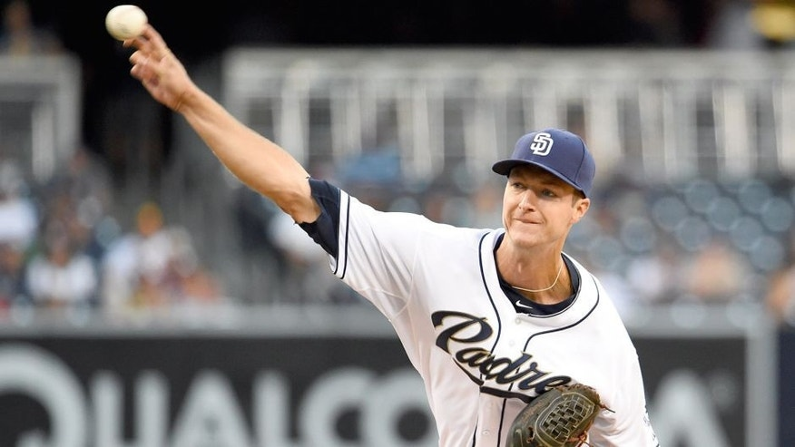 SAN DIEGO, CA - AUGUST 11: Colin Rea #29 of the San Diego Padres pitches during the first inning of a baseball game against the Cincinnati Reds at Petco Park August 11, 2015 in San Diego, California. (Photo by Denis Poroy/Getty Images)