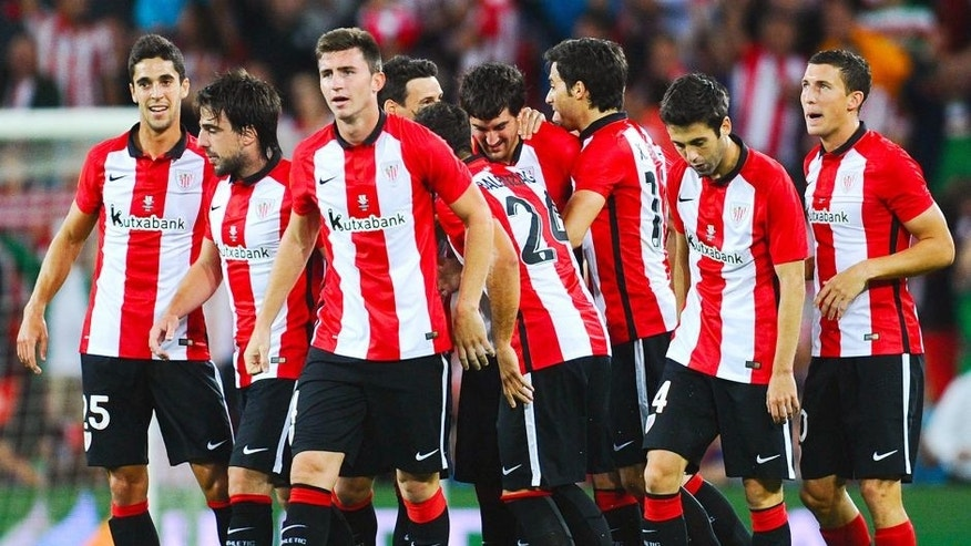 BILBAO, SPAIN - AUGUST 14: Mikel San Jose (C) of Athletic Club celebrates with his team mates after scoring the opening goalduring the Spanish Super Cup first leg match between FC Barcelona and Athletic Club at San Mames Stadium on August 14, 2015 in Bilbao, Spain. (Photo by David Ramos/Getty Images)