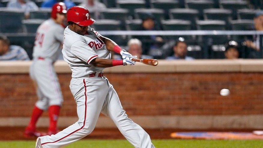 NEW YORK, NY - MAY 26: Maikel Franco #7 of the Philadelphia Phillies hits an RBI single, scoring the go-ahead run in the eighth inning against the New York Mets at Citi Field on May 26, 2015 in Flushing neighborhood of the Queens borough of New York City. (Photo by Mike Stobe/Getty Images)